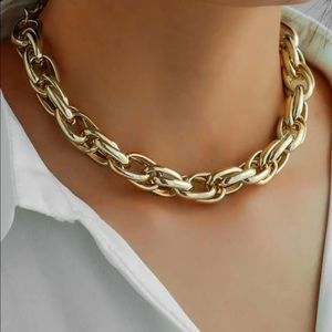 ¥18k Gold Twisted Chunky Necklace